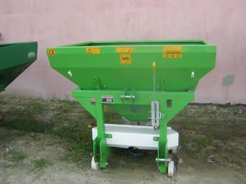 Masina de fertilizat 500 l Masini de fertilizat